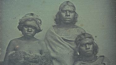 Douglas  T.  Kilburn, no  title  (Group  of  Koori  women), 1847, daguerreotype (detail).