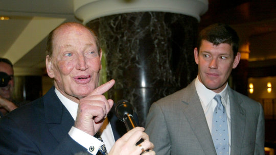 Kerry Packer and son James at the Publishing & Broadcasting Limited annual general meeting in October 2004.