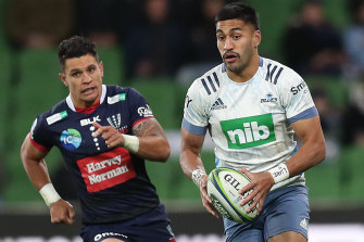 MELBOURNE, AUSTRALIA - MAY 15: Rieko Ioane of the Blues runs with the ball during the round one Super Rugby Trans-Tasman match between the Melbourne Rebels and the Blues at AAMI Park on May 15, 2021 in Melbourne, Australia. (Photo by Graham Denholm/Getty Images)