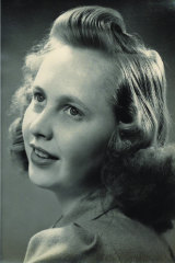 A young Bertha Aalberts.