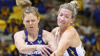 Vixens humiliate Lightning, move into grand final