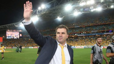 Ange Postecoglou is staying with Yokohama F.Marinos for another year.