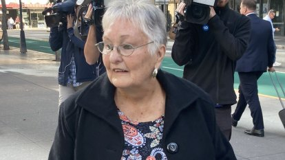 Police told woman who saw Whiskey Au Go Go arsonists to change her story: Inquest