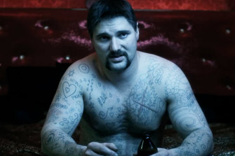 Eric Bana in his breakthrough role as Mark 'Chopper' Read. The movie won three AFI Awards, including best director and actor.