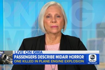 Peggy Phillips told America's ABC News she and fellow passengers tried to save Jennifer Riordan's life.