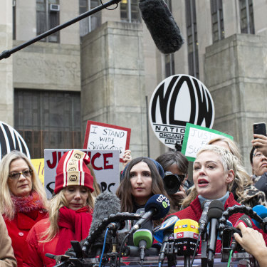 Actress Rose McGowan, who has accused Harvey Weinstein of raping her, speaks outside the court on January 6 in New York.