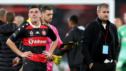 'The group and me have failed': Heat on Robinson as Phoenix all but kill off Wanderers' finals hopes