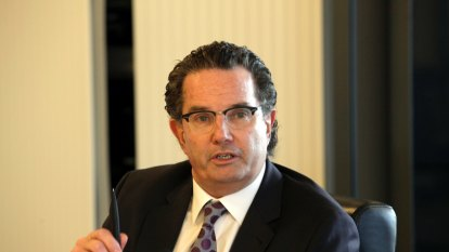'Big stick' energy plans are an 'embarrassment', says former AGL boss