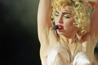 In Bed With Madonna follows the pop star during her groundbreaking Blond Ambition concert tour.