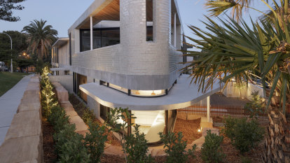 Seashells on the seashore: No faux architecture in this beachside haven