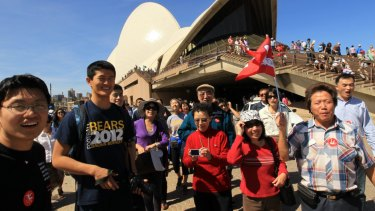 Local tourists spend almost twice as much as visitors from further afield on organised tours and entertainment in Sydney, and about 50 per cent more on food and drink.