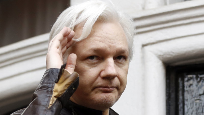 Julian Assange receives new Australian passport