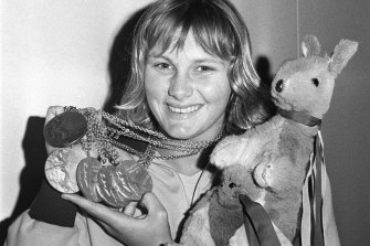 Fifteen-year-old Shane Gould shows off her five medals from the 1972 Olympics.