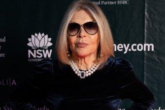 Legendary fashion designer Carla Zampatti has died a week after a fall.