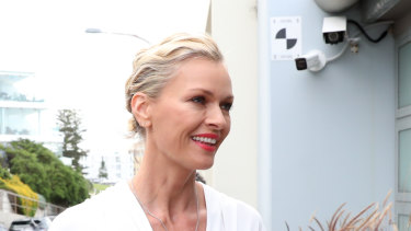 Sarah Murdoch arriving at Bondi Icebergs last Friday with her huge new diamond necklace.