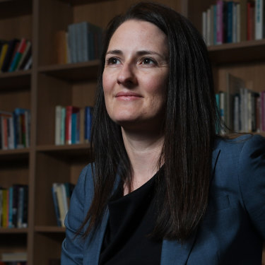CIS researcher Jennifer Buckingham says one in four Australian year 9 students is struggling to read.