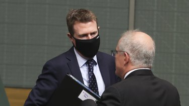 A parliamentary committee is looking at the issues around Christian Porter's use of a blind trust to pay legal fees.