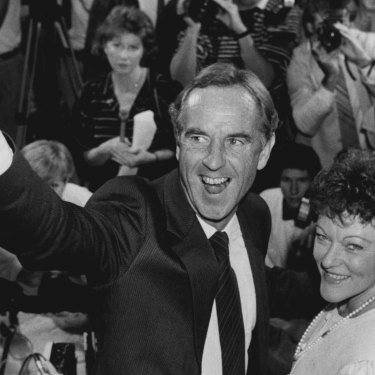 John Cain and his wife Nancye celebrate Labor's victory in 1985.