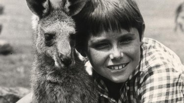 Skippy the Kangaroo and actor Garry Pankhurst playing Sonny, 1970.