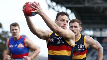 Brodie Smith in action for the Crows.