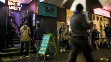 Lockout laws will be lifted in Kings Cross next month.