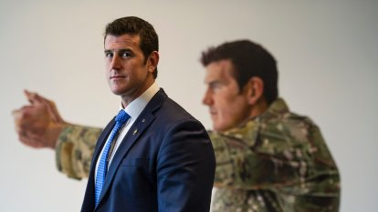Journalists fight attempt by Ben Roberts-Smith to expose their sources