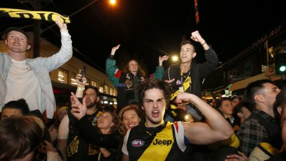 'Caught in moment' no excuse: Police promise action against rowdy AFL fans
