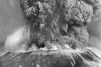 Mount St. Helens erupts, May 18, 1980