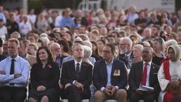Bill Shorten attends the Anzac Day dawn service in Darwin.