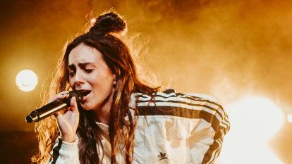 Amy Shark woos Brisbane on 'best night of her life'