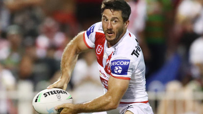 'If we're still throwing that up, then fly into us': Hunt's plea to Dragons fans