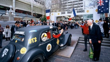 The first Tracbar rally that left the Perth CBD in 2000.