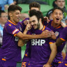 Travel-weary Glory stun Melbourne City