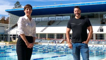 WA councils divided over pool re-openings, with swimming lessons still a distant target