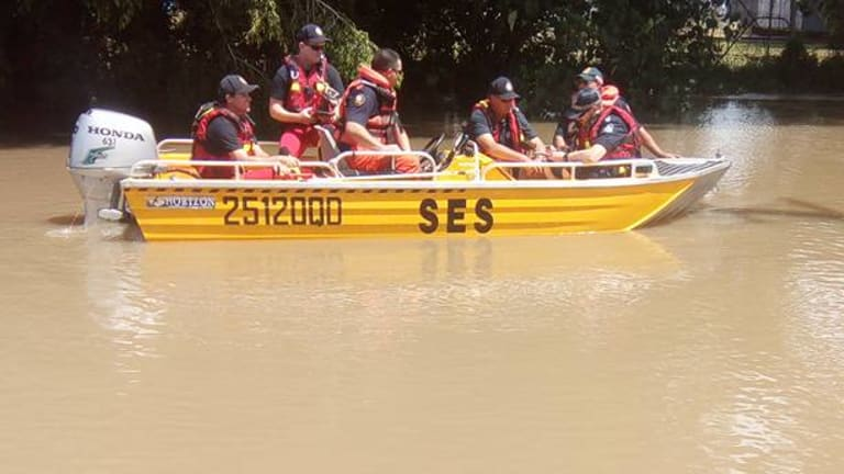 SES assisting residents inthe flooded Shire of Hinchinbrook.