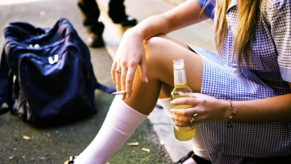 The link between alcohol ads and risky drinking in Australian teens