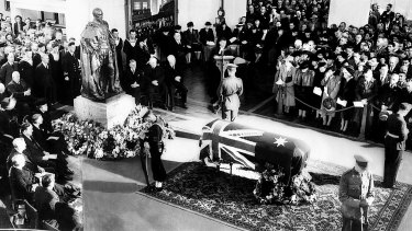 The body of John Curtin lies in state in Kings Hall, Parliament House.