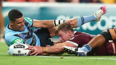 Harry Grant scores for the Maroons on his State of Origin debut.