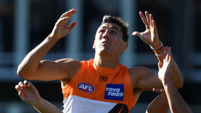 Cumming determined to stay in Giants mix for finals
