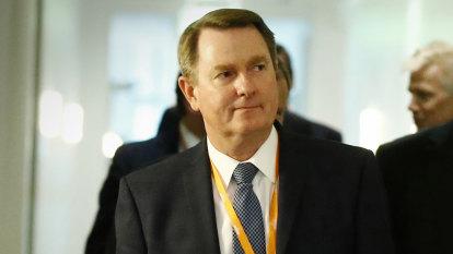 'Corporate scumbag': Senator slams ExxonMobil for not paying tax