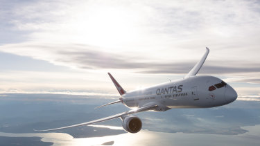 Qantas is set to introduce direct flights from Brisbane to Chicago and San Francisco on its Dreamliner fleet.