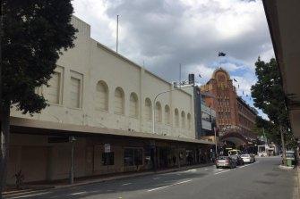 The existing Walton's frontage on Brunswick Street.