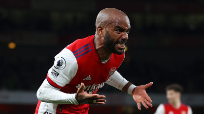 Last-gasp strike rescues point for Arsenal against Crystal Palace