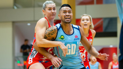 'There is no pathway':  Call for boys to play netball in schools