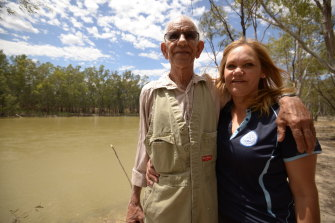 Anne Atkinson with her father at the Murray River (Dunggula) near Cummeragunja Mission, where many Bangerang people lived.