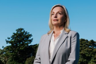 A contested report into the demise of Christine Holgate's reign at Australia Post has called for Prime Minister Scott Morrison to apologise and the board's chairman to resign.