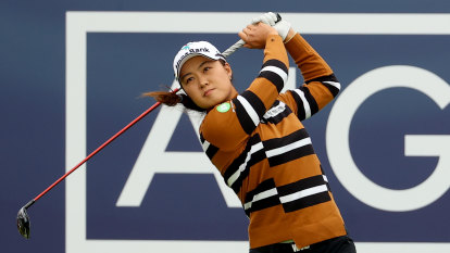 Lee, Oh holding steady four shots behind Women's British Open leaders