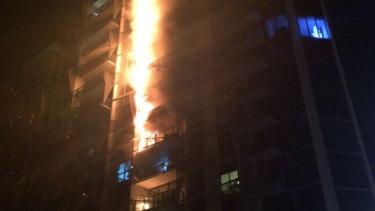 The Lacrosse building in Docklands burns in November 2014.