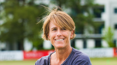 Interim high performance chief Belinda Clark has back coach Justin Langer after his first season at home.