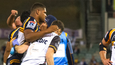 Rob Valetini had to be helped from the field in the second half against the Waratahs.